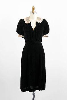 vintage 1930s dress / 30s dress / Black Silk Velvet Dress with Lace Peter Pan Collar