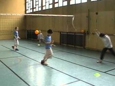 Mini Volley 6-8 ans Approche ludique - YouTube