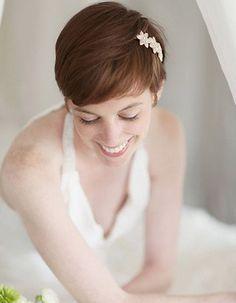 Coiffure de mariée Coupe courte et headband discret - Les plus jolies coiffures de mariée pour s'inspirer - Elle