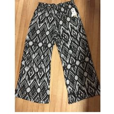 New With Tags• Palooza Pants Black & White Pattern • Elastic Waistbands • Nice Wide Legs• XL • Very Nice• Como Vintage  Pants Wide Leg