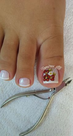 Adesivos de unhas 2018 – Modelos e fotos Toe Nail Color, Toe Nail Art, Pedicure Designs, Toe Nail Designs, Cute Pedicures, Manicure And Pedicure, Pretty Toe Nails, Love Nails, French Pedicure