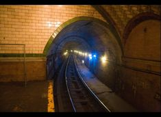 The Abandoned City Hall Subway Stop Now Visible To Tourists (PHOTOS)