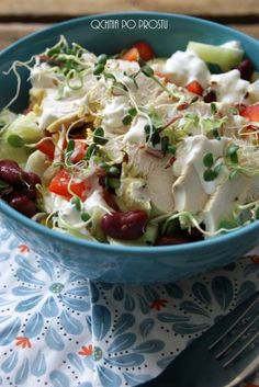 Salad with boiled chicken and gorgonzola Boiled Chicken, Potato Salad, Potatoes, Ethnic Recipes, Food, Potato, Essen, Meals, Yemek
