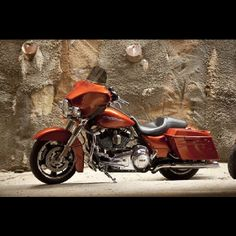 Harley Davidson Street Glide. Looks just like the one in our garage :)