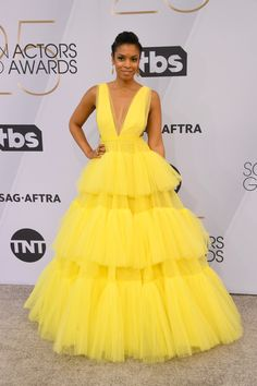 Every Stunning Outfit That Graced The SAG Awards Red Carpet This Year 2019 SAG Awards: Susan Kelechi Watson in a Christian Siriano dress Christian Siriano, Evening Dresses, Prom Dresses, Formal Dresses, Club Dresses, Girls Dresses, Pretty Dresses, Beautiful Dresses, Looks Adidas
