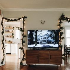 Easy holiday decor for apartments.