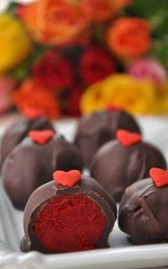 Red Velvet Cake Balls - I don't like Red Velvet but everyone else I know does. I'll make some for them =]