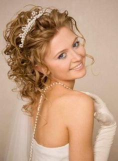 Cute and gorgeous wedding hairstyle with tiara