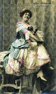 Vintage Photos Women, Vintage Images, Vintage Ladies, Vintage Woman, 1940s Actresses, Alice, Dance Hall, Purple Lilac, Belle Epoque