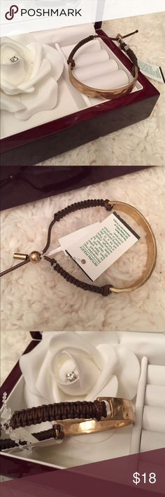 NWT✨Adjustable Bracelet✨ So cute, adjustable metal/cord bracelet. Cord is brown/metal is hammered gold. Great as casual look with jeans, or dressed up! Makes a beautiful gift🎁 Jewelry Bracelets