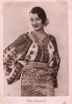 Miss Romania 1931 French postcard for the Miss Europe 1931 pageant. Romania's representative was Tanti Vuroseanu. Traditional Dresses, Traditional Art, Folk Embroidery, 1930s Fashion, Folk Fashion, Folk Costume, Peasant Blouse, Fashion History, Photos