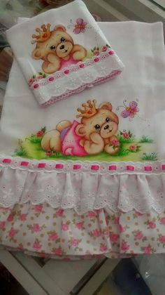 Es una belleza Tole Painting, Fabric Painting, Embroidery Applique, Embroidery Designs, Fun Crafts, Diy And Crafts, Fabric Paint Designs, Baby Clip Art, Nursery Paintings