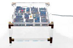 Mesa componentes electrónicos
