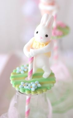 ♔ Too cute. Fondant bunny bottle toppers.