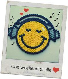 Smiley  hama beads by Anne-Mette Storgaard - http://mode-makronerne.blogspot.dk/