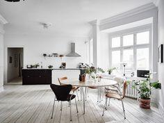 Spacious living kitchen
