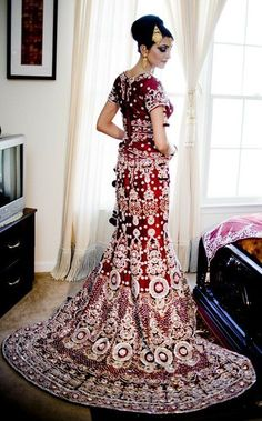If you fall under the 'Straight like a ruler' body type, you'll rock fish-cut lehengas! They will add curves to your body and accentuate your skinny waist for a sexy and sweet bridal look!  #fashion #style #bridal #marriage #wedding #lehenga #ethnic #indian