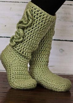 Free+Crochet+Boots+Pattern+Women   10 DIY Free Patterns for Crochet Slipper Boots