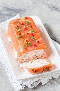 Salmon and shrimp terrine A beautiful party entrance www.cuisine-and-me … Source by celinemiou Seafood Appetizers, Seafood Recipes, Appetizer Recipes, Salmon And Shrimp, Baked Salmon, Keto Salmon, Salmon Dishes, Fish Dishes, Healthy Dinner Recipes