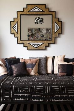 Shades of gold, brown, and black in an Austin, Texas living room