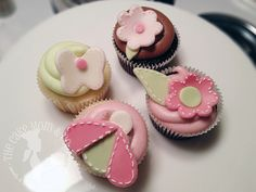 Applique Cupcakes by The Cake Mom, via Flickr