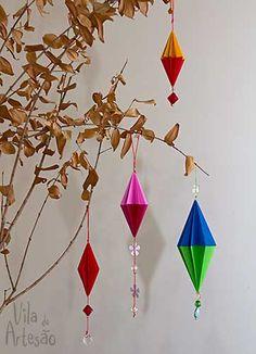 Enfeites para árvore de natal usando origami.  #craft #diy #natal #origami #artesanato