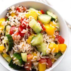 Rezept drucken Springe zu RezeptVegetarischer Reissalat, herrlich erfrischend und vollgepackt mit knackigem Gemüse? Sommerlich, super lecker und trotzdem so einfach, dass wir ihn mal eben zusammenschmeißen können? Oh ja, wir bescheren dem Reissalat heute ein gebührendes Comeback! Ganz ehrlich, Reissalat ist auf den ersten Blick ja immer ein minibisschen oldschool. Aber ich wette, ihr kennt...Read More »