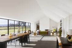 Haveringland, Norfolk | The Modern House | © Will Pryce | http://www.themodernhouse.com/sales-list/haveringland/