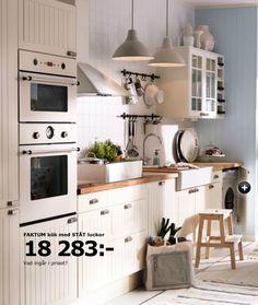 best ikea kitchen ideas and white cabinet with two microwave Ikea Small Kitchen, Small Kitchen Cabinets, Ikea Kitchen Design, Kitchen Cabinet Remodel, Kitchen On A Budget, Kitchen Layout, Cocinas Kitchen, Style Deco, Kitchen Pictures