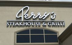 What's Cookin, Chicago?: Perry's Steakhouse & Grille {Review}