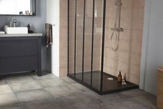 Receveur en pierre naturelle Solano. Dimensions : 120 x 80 x 5 cm. Coloris…