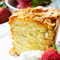 Classic Southern Pound Cake is perfectly moist and buttery with just the right amount of sweetness. The texture is wonderfully tender and it has a thick layer of crackly crust on top. Whipping Cream Pound Cake, Cream Cheese Pound Cake, Buttermilk Pound Cake, Butter Pound Cake, Almond Pound Cakes, Mini Cakes, Cupcake Cakes, Pound Cake Cupcakes, Southern Pound Cake