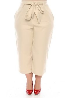 New moda casual plus size pants 42 Ideas New Fashion, Trendy Fashion, Plus Size Fashion, Mode Outfits, Fashion Outfits, Fashion Tips, Baggy Pants, Plus Size Kleidung, Plus Size Pants