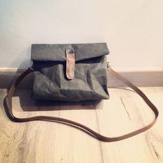 waschbare Kraftpaper Handtasche mit abnehmbarer von HandmadeHK