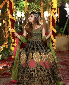 Awesome Bridal Photoshoot of Alizeh Shah for Kashees Pakistani Bridal Hairstyles, Pakistani Bridal Makeup, Bridal Mehndi Dresses, Asian Wedding Dress, Pakistani Wedding Outfits, Bridal Dress Design, Pakistani Wedding Dresses, Pakistani Dress Design, Bridal Outfits