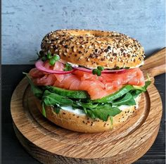 """- """"Nothing says good morning like a bagel with all the trimmings! """"Nothing says good morning like a bagel with all the trimmings! I Love Food, Good Food, Yummy Food, Healthy Snacks, Healthy Eating, Healthy Recipes, Eating Clean, Cafe Food, Aesthetic Food"""