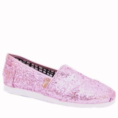 These Voyage glitter classic slip-ons will instantly add some sparkles and shine to spice up your everyday look. They also make a vibrant addition to your wardrobe!COLORS:   GoldPewter SilverPink DETAILS: Synthetic upper Slip-on design Fabric lining Medium width All-over glitterLight EVA outsole Elastic V for easy on and off • Available in Women's sizes 6-9 (Sizes vary by color) FAST SHIPPING! We aim to process all orders as quickly as p...