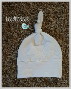 Check out this item in my Etsy shop https://www.etsy.com/listing/240399415/beautiful-newborn-baby-girl-knot-hatoff