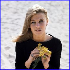 Julie Christie exemplified the Swinging 60s. Gorgeous and glamorous. Key films: Darling, Don't Look Now, Away From Her