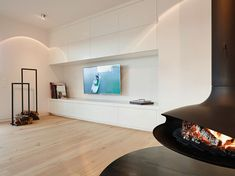 Penthouse: Modern Wohnzimmer von honey and spice Kitchen Interior, Interior Design Living Room, Dream Home Design, House Design, Bookshelves In Living Room, Loft, Built In Wardrobe, Pent House, Wall Design