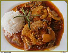 Pikantní přírodní šťáva k masu Goulash, Russian Recipes, Food 52, Thai Red Curry, Stew, Mashed Potatoes, Recipies, Cooking Recipes, Treats