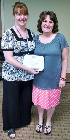 Nursing Supervisor, Kim Turner, recognizes Rhonda Riley who has served as the receptionist for our Hazard office for five years. Thank you, Rhonda, for the warm welcome you extend to everyone who calls or visits the Hazard office!