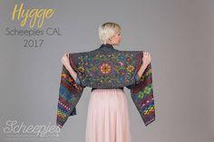 De onthulling : Scheepjes CAL2017 Hygge by Kirsten Ballering.De sjaal wordt uiteindelijk zo'n 180 tot 190 cm lang en ongeveer 36 cm breed.#cal2017 #scheepjes #hygge #haken #crochet #Zoetermeer http://www.atelierlavivere.nl/contents/nl/d207220_Diverse_Haakpakketten.html