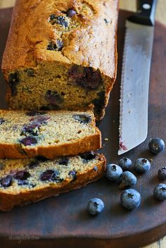 Blueberry Banana Bread –moist and low in fat! Slice it up and freeze for the month! Weight Watchers 3 points