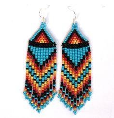 Native American Beaded Earrings inspiré. Longues boucles d'oreilles. Boucles d'oreilles de frange. Broderie perlée