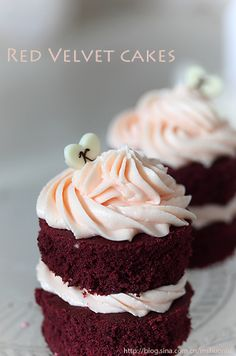 Very prettily frosted Red Velvet Cupcakes