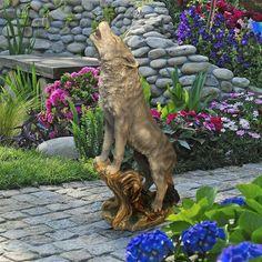 Howling Lone Wolf Garden Statue