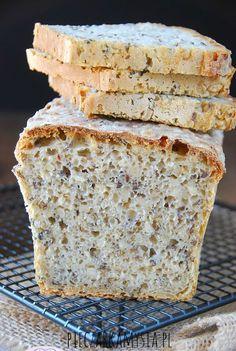Chleb pszenno - zytni na zakwasie z ziarnami