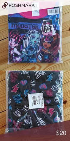 Monster High Girls Pajamas XL 14-16 NWT Excellent condition Monster High  Pajamas Pajama Sets