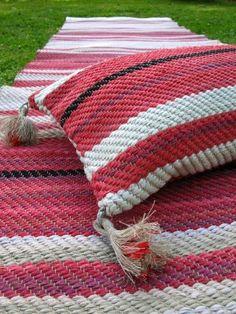 Blog image Blog Images, Weaving, Rag Rugs, Blanket, Crochet, Fabrics, Closure Weave, Crochet Hooks, Blankets